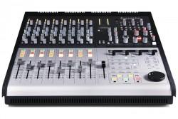 Focusrite - Control 2802 Dual-layer 28 kanal DAW kontrolü