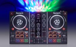 Numark - PARTYMIX LED Aydınlatmalı, Virtual DJ uyumlu DJ kontroller
